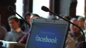 Kritische Medien: Datenschutz und Soziale Kommunikation im Internet