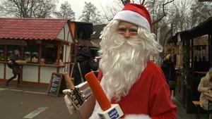 ALLE UNTERWEGS: Anja als Weihnachtsmann...