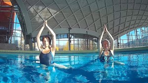 Aqua Yoga in der Toskana Therme