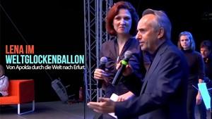 Lena im Weltglockenballon