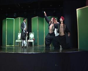 Cosě fan tutte, Mozarts komisches Meisterstück mit ernstem Hintergrund