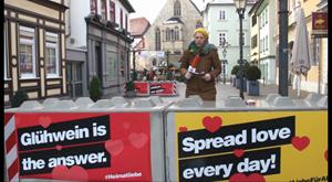 ANJA UNTERWEGS in Erfurt - Betonsperren beklebt