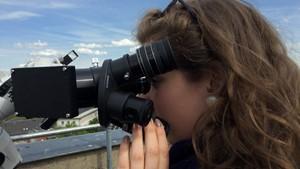 Schillergymnasium in Weimar weiht neues Teleskop ein.