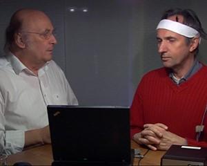 Günter Haffelder blickt in die Tiefe des Gehirns