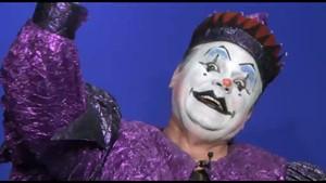 Helmi ist Clown, Stadtrat, Ortsteilbürgermeister und Künstler
