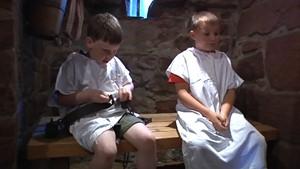 Jena.TV: Kinder erleben auf der Leuchtenburg spannende Abenteuer bei Geisterführungen
