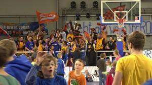BIG Die Fanfreundschaft zwischen den Fans der  Oettinger Rockets und den Fans von SC Rasta Vechta
