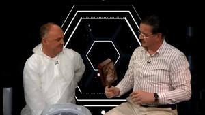 Warum bringt Dirk Löhr eine Teflonpfanne mit? - Leibrocks Büchergalaxie