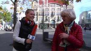 Erfurter Weihnachtsfichte steht