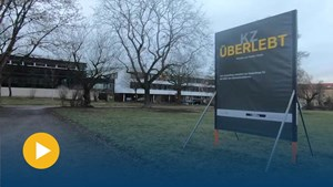 Austellung »KZ überlebt« vor dem Thüringer Landtag